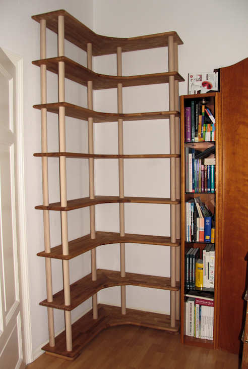 mein eckregal auf rundst ben ist fertig. Black Bedroom Furniture Sets. Home Design Ideas