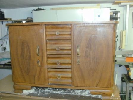 oberfl che von kommode restaurieren mit bild. Black Bedroom Furniture Sets. Home Design Ideas